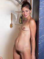 Vanessa Bush masturbates in her soapy shower